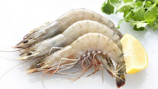 5秒「快速剝蝦法」絕技大公開:關鍵就在蝦子第二節!