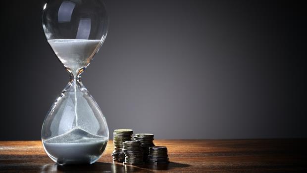 要向客戶表達想「立即」收到酬勞,英文你該用as soon as還是as long as?