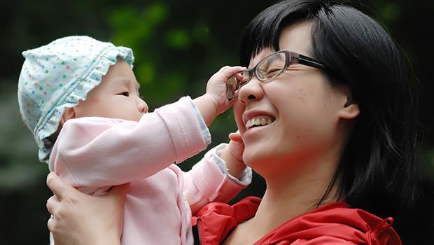 你知道「抱抱不夠」的新生兒,大腦的損傷是永久性的嗎?