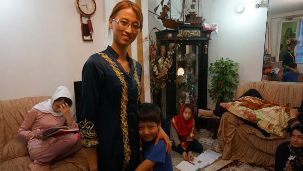 18歲嫁到伊朗...這個台灣媳婦當起商務導遊,和大陸人爭搶中文商機