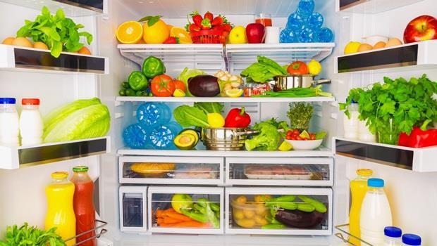 停電不怕食物壞掉了!夏普新冰箱,停電時能持續製冰,郭董快引進台灣