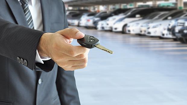 不會說話,可是很貼心...一個汽車銷售員的故事:「害羞」也是一種力量