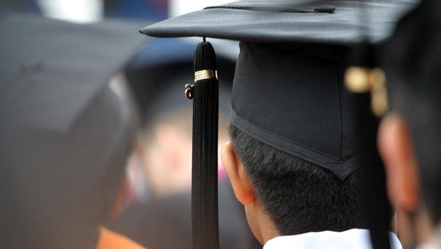 那些人生勝利組的畢業致詞,永遠不會告訴你人生有多坎坷