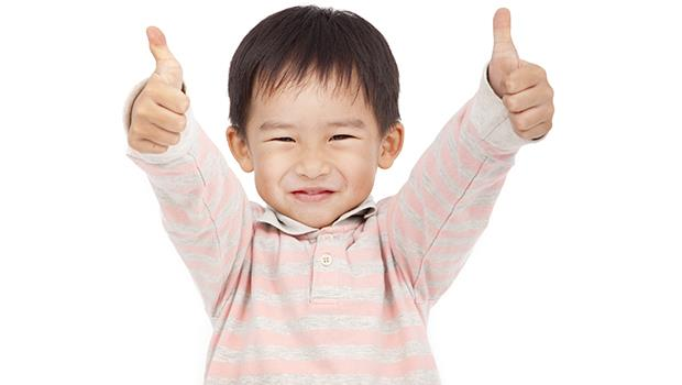 為什麼父母對孩子說「你怎麼還學不會」跟「哇你好厲害」都是一種傷害?