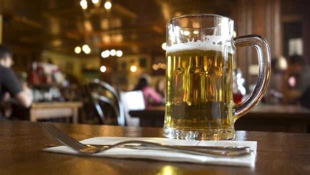 父子共喝一杯啤酒,也要分開付帳...和荷蘭人共事15年的觀察:他們的尊重跟我們不一樣