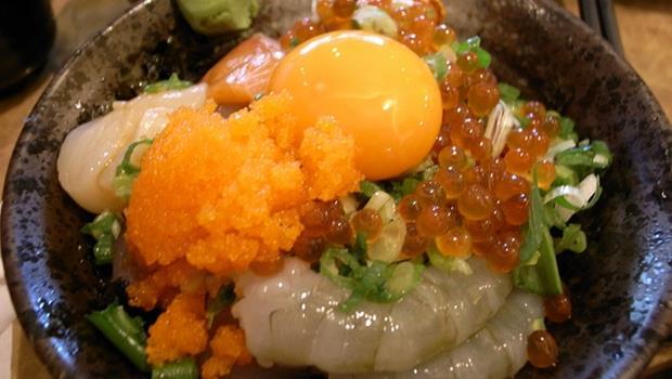 天氣好熱,來碗冰涼清爽的生魚片丼飯!網友推薦北高必吃口袋名單