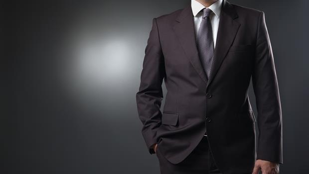 穿西裝是有用的!主管穿襯衫、打領帶,屬下工作會更積極、注意力更集中