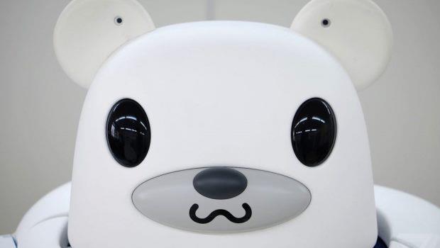 日本研發讓長者安心的機器人:能溫柔地把人「公主抱」的護理機器熊
