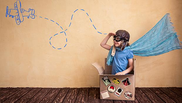 放暑假了》孩子抱怨無聊?別給他們玩手機,準備「無聊聚寶盆」開發孩子潛能與創意