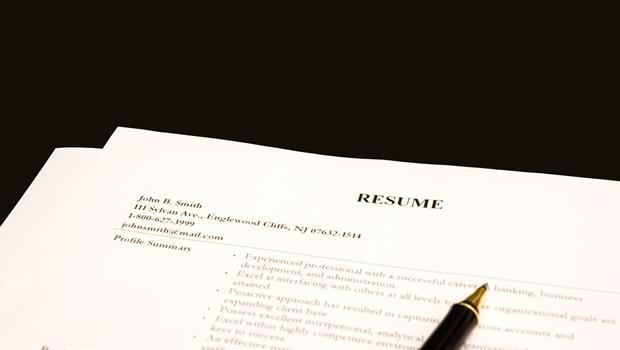 assist、responsible for...職涯輔導專家:英文履歷表,別再用這6個常見單字
