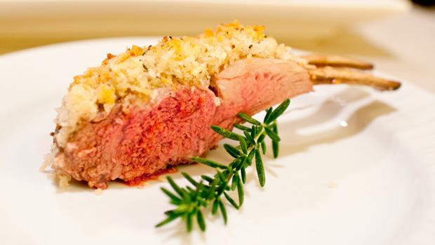 父親節不用到外面吃大餐!Costco食材一次買齊,30分鐘做出「普羅旺斯烤羊排」