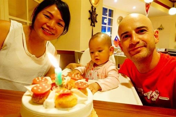台灣半子吳鳳:生了女兒才曉得,「愛好兒童」和「真合法爸媽」完滿是天差地別
