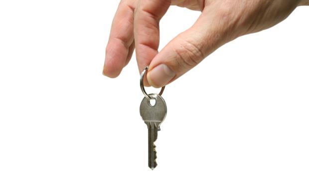 房客想退租,房東找藉口拖延、還裝監視器恐嚇...遇到這種惡房東如何自保?