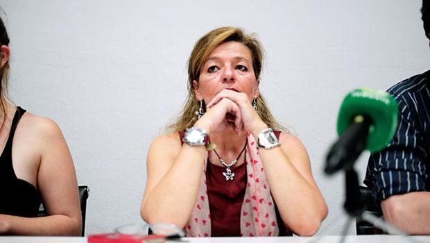 賈莉朵揭弊後,上級頻頻找碴,律師建議她向法院提告,終獲勝訴判得逾新台幣300萬元賠償金,但至今未入帳。