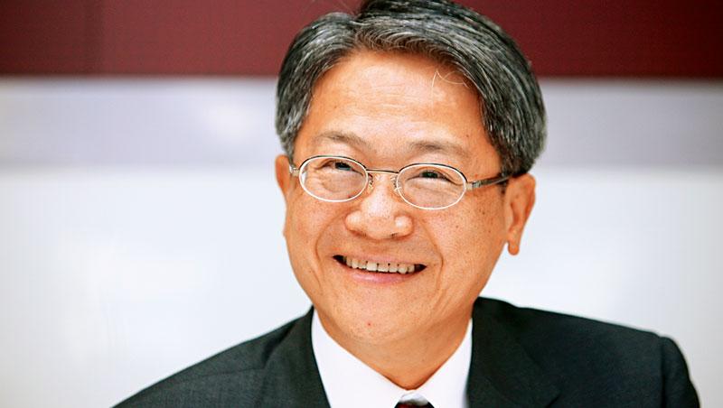 台新金董事長吳東亮失去彰銀主導權後,加速海外布局,免得落於人後。