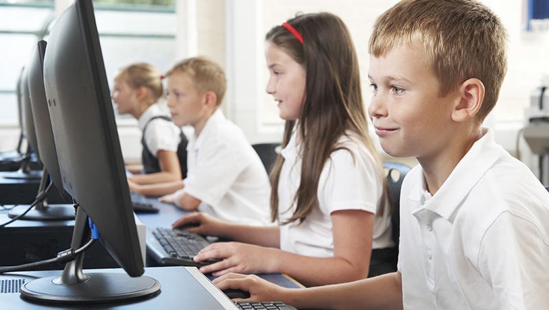 台灣還在禁止小孩上網?荷蘭小學5年級有「數位安全課」:教小孩面對網路霸凌與保護隱私