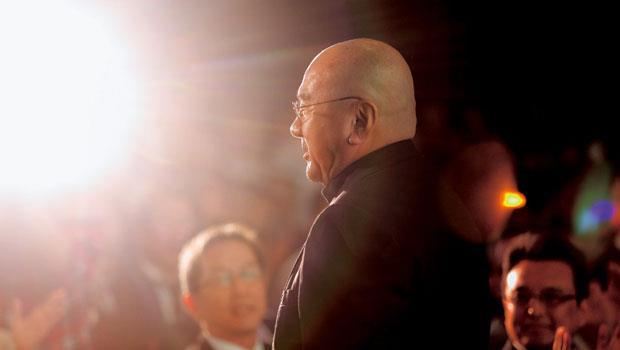 尹衍樑生涯中被約談次數堪稱國內企業家之最,但不論如何凶險,都能化險為夷。