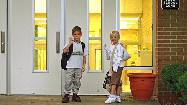 小一老師強烈建議家長不要接送小孩!瑞士教養學:自己上學,是培養獨立的第一步 - 華安 - ceo.lin的博客