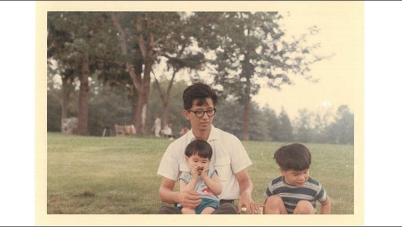 小孩上學的點滴,只能聽妻子轉述...李遠哲的懺悔:我是個「不常在場」的父親