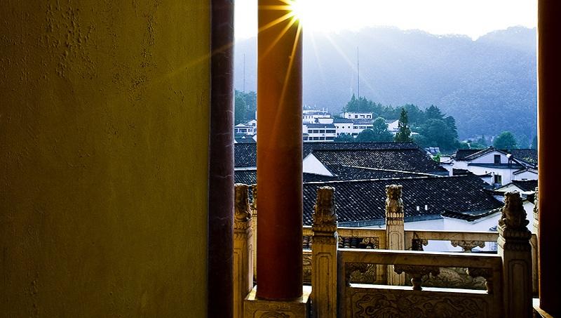 中國貪官現形記!》九華山方丈當白手套,500萬的佛像換得10億大生意
