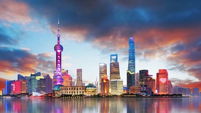 一個28歲女生的煩惱:想去上海工作,家人也支持,但男友不想離開台灣...