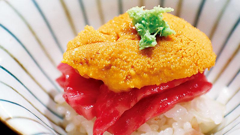 說來有趣,京都明明以蔬食為主且清素味淡料理風格聞名,但近年來,牛肉之人均消費量卻竟然在全國名列前茅。細究原因,最關鍵應在於絕佳的地利位置,恰正位在日本聞名遐邇三大和牛:松阪、神戶、近江產地正中央,上等