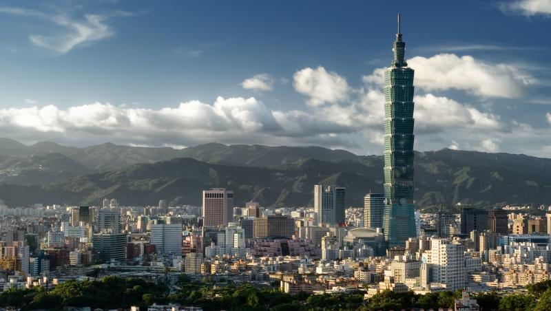 老總勸蔡英文這樣花8800億:別蓋輕軌,台灣要一條「兩岸跨海大橋」
