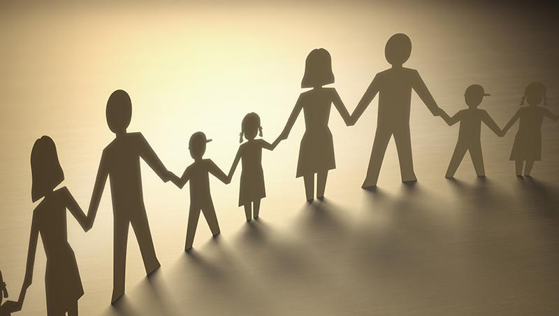 為了讓小孩活在「愛的家庭」,荷蘭決定這麼做:一家可以有4個父母,有愛,為何不可?