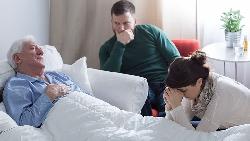 安樂死的真實經驗》荷蘭爸爸:那一年聖誕節,舅公吞下醫生給的藥,在最愛他的人面前,離開了世界!
