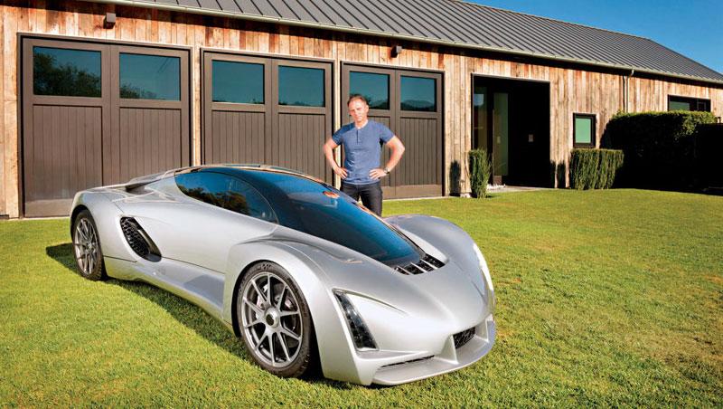 D3D 創辦人暨執行長卡辛格(圖)打造的3D 列印車,車裡有兩個座位,加速比法拉利還快,也是他個人代步工具。
