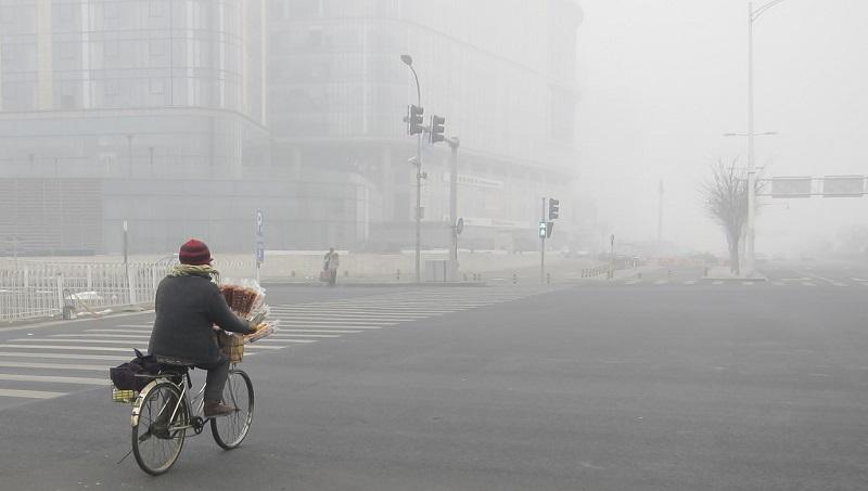 中國煤耗是全球30倍》144小時超重霾害,百萬人急逃離中國,都是煤價太便宜害的!