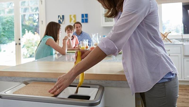 倒廚餘不用忍受髒臭或追垃圾車!這個「廚餘分解機」24小時就能將廚餘變肥料