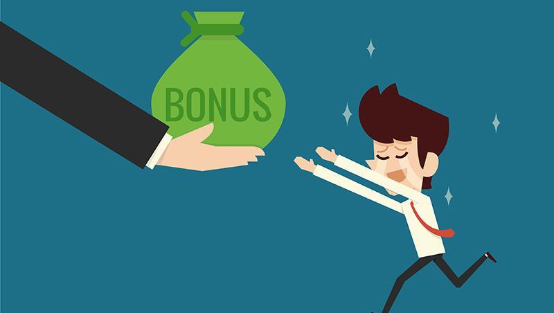 笨蛋!一例一休不是重點...科技業主管觀察:資方只會壓成本,績效獎金淪為過勞的「遮羞費」