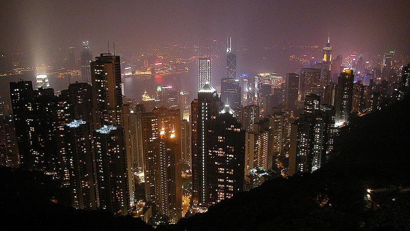 「地獄之門」已開啟!》匯豐銀行前高管預言:香港樓市崩盤在即,將步上日本衰敗20年後塵
