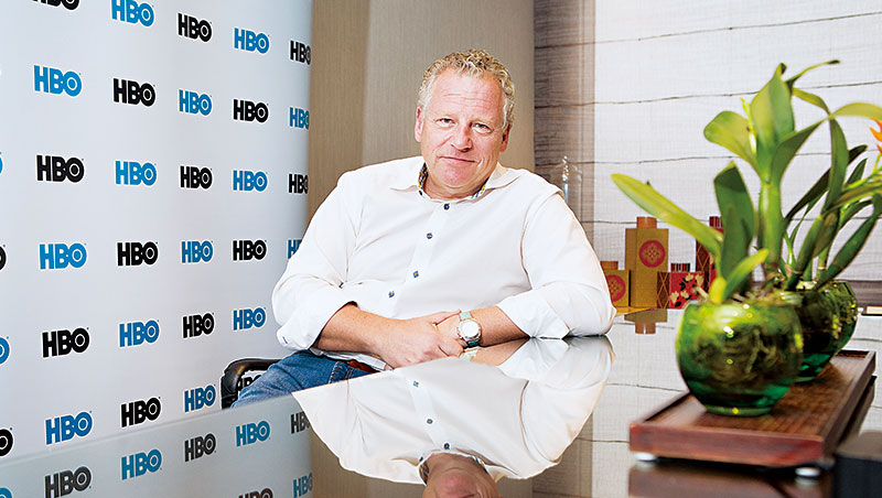 HBO Asia執行長施鵬騌接受《商業周刊》專訪表示,與在地合作是打亞洲盃關鍵,聯手台灣推中文影集就是一例。