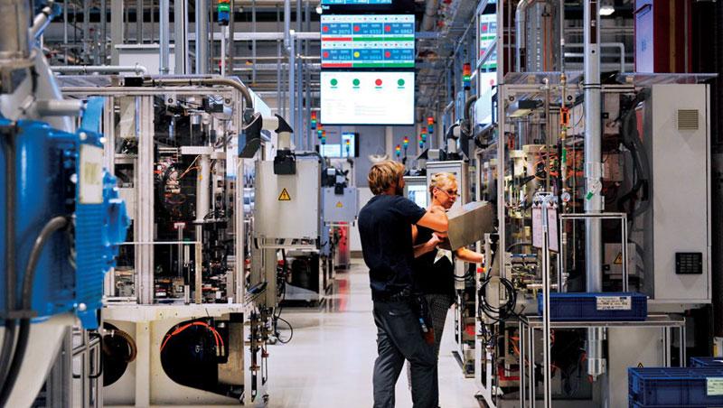 德國各行各業都養成勞資協商習慣,公司大小事明定清楚,才能創造工時短、薪資高的職場。
