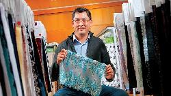 台南毛毯廠大變身  「維多利亞的秘密」刺繡出自它