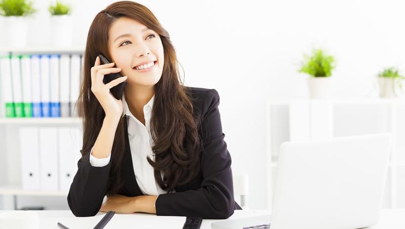 這個秘書能力特優,卻不敢跟公司大老闆說話...別不信,「改變穿著」真的能提升自信