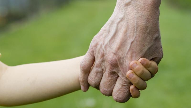 台灣公婆堅持帶孫,日本娘家完全無法理解這份「愛」...一個故事看台日「長輩文化差異」