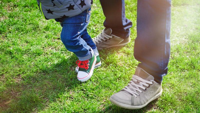 跟孩子的互動超緊繃?雲門教室教你一招親子體操,「鬆開」和孩子的關係