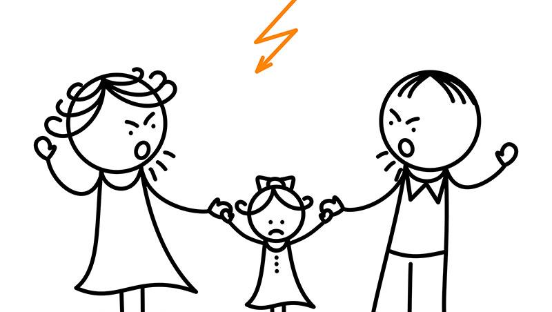 一個凶狠的阿嬤,教出在學校霸凌別人的孩子...在公共場所,請制止管教過當的父母