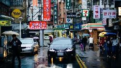 南北溫差13度!北部民眾出門記得帶雨具,雨勢將持續到中午