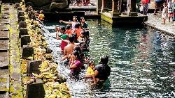 水、水神、峇里人