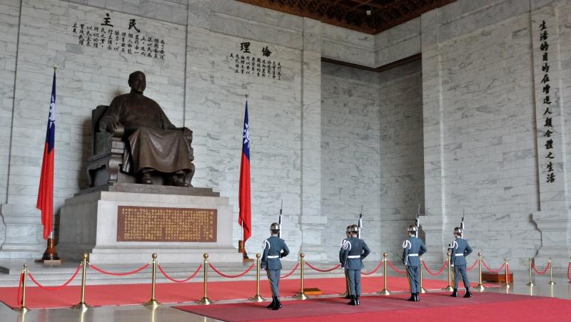 從神學、倫理學、美學的觀點,告訴你「蔣公銅像」為什麼不該存在輔大校園?