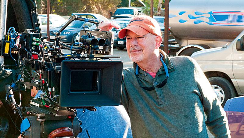 好萊塢導演柯漢在雜誌文章〈X 級賽車手〉中找到靈感,並創造了《玩命關頭》系列的首部曲。