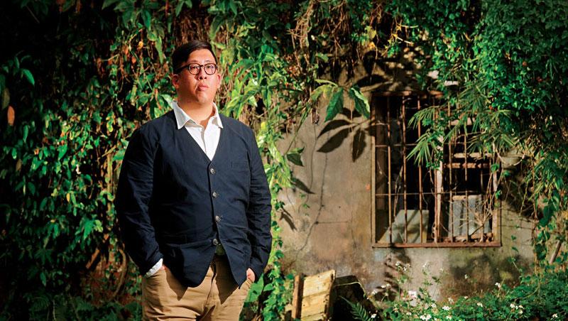 三十一歲的鄭吉君從購買土地開始,便參與柬埔寨工廠的興建、運作,一點一滴看著工廠從無到有。