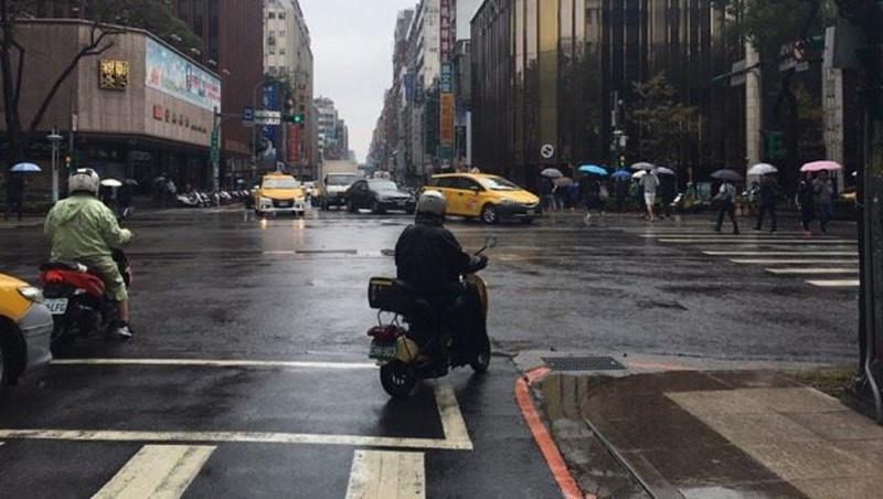 白天悶熱下午大雨!今年首颱「梅花」影響台灣嗎?氣象專家這麼說
