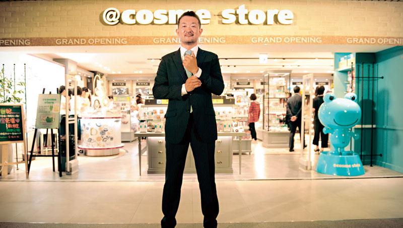 @cosme 海外首家實體店5 月初落腳台灣,iStyle 社長吉松徹郎親自來台出席剪綵儀式。