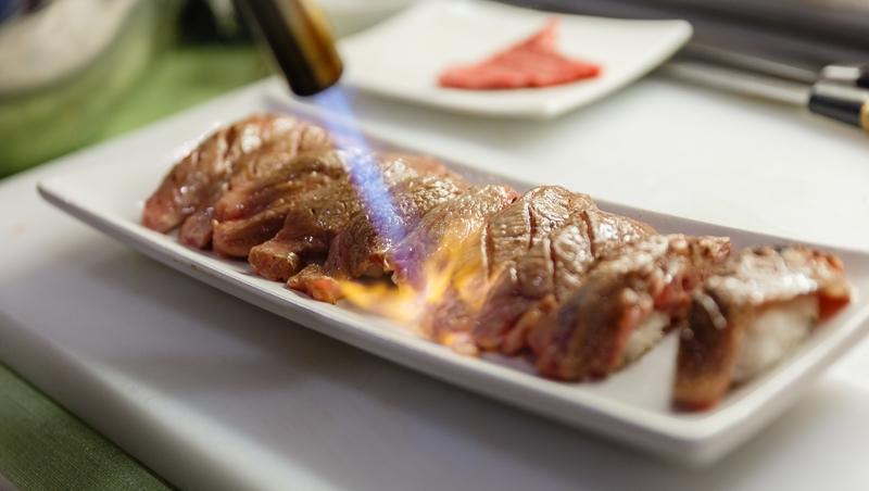 不用去日本,也有和牛吃到飽!Buffet越開越多,這三間特色餐廳網友大推