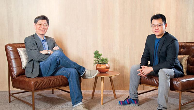 上海交大連鎖經營企業總裁EMBA 教授 李明元(左)、iFit 愛瘦身董事長 謝銘元(右)